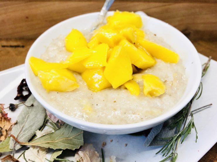 Klebreis Porridge mit Mango