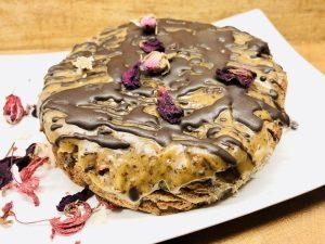Dattelkuchen mit Schoko Karamell Topping