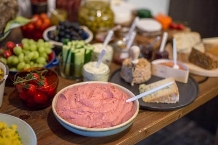 Tandoori Masala Joghurt Brotaufstrich auf Buffett