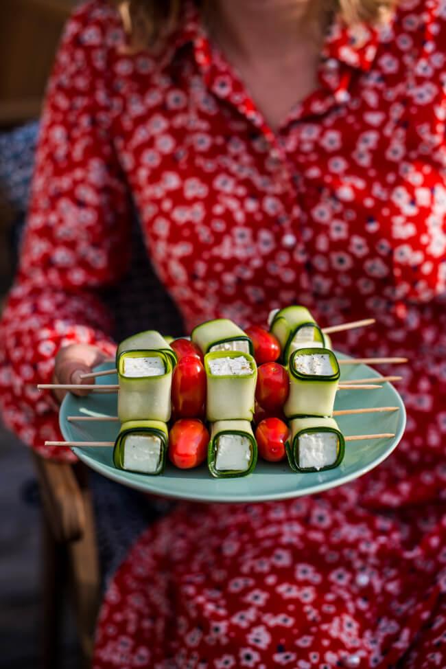 Veggie BBQ Grillspieße mit Zucchin und Feta