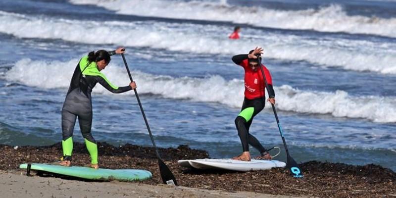 Sup-olas-escuela entrenamiento en el agua