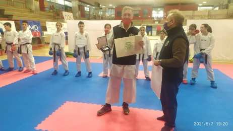 Fersini riceve premio da Faranda