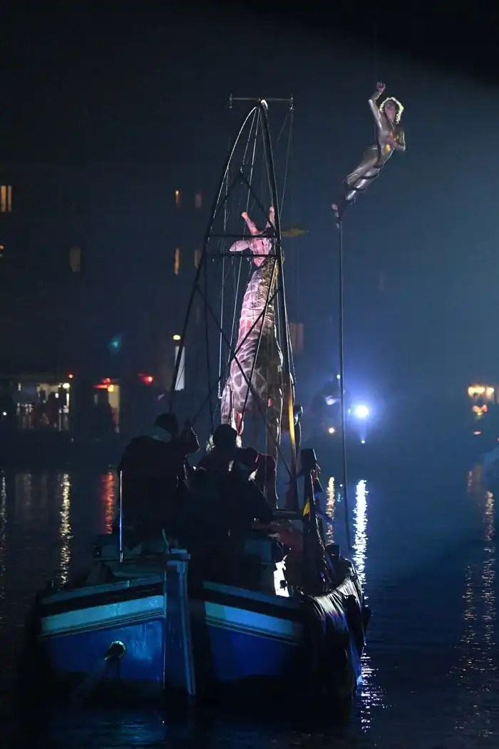 Carnevale di Venezia 2018 - spettacolo sull'acqua a Cannaregio