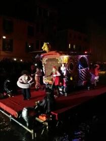 Carnevale di Venezia 2018 sfilata nel canale di Cannaregio