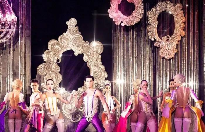 spettacolo di cabaret al Paradis Latin di Parigi
