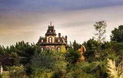 disneyland-Phantom-Manor