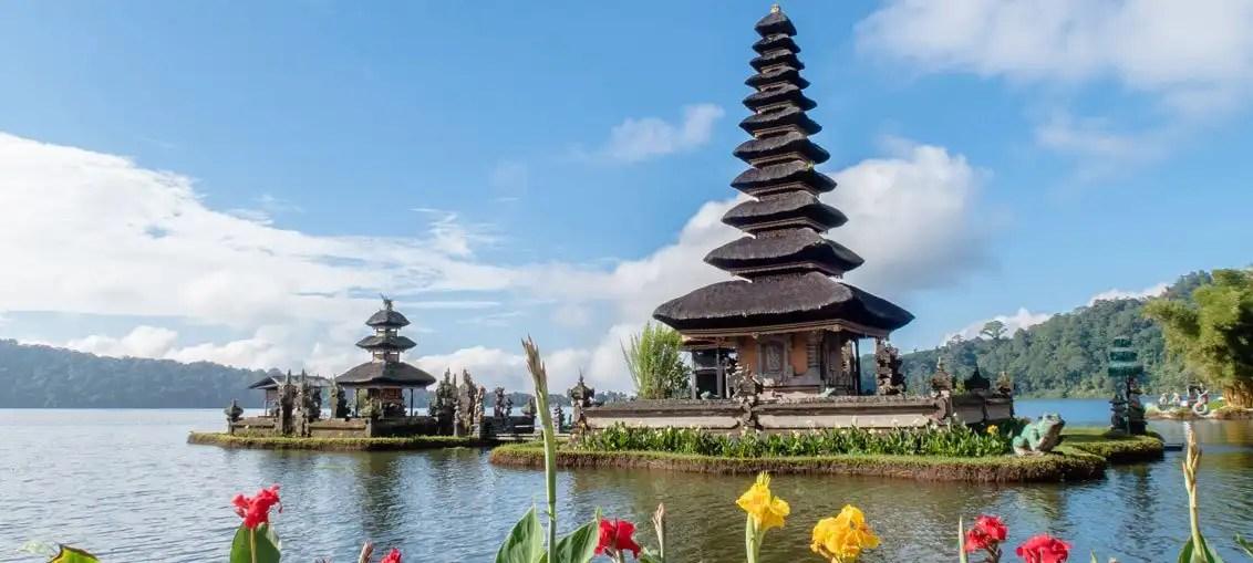 Viaggio a Bali: tour Taman Ayun, cascate GitGit, Lago Bratan e Tanah Lot