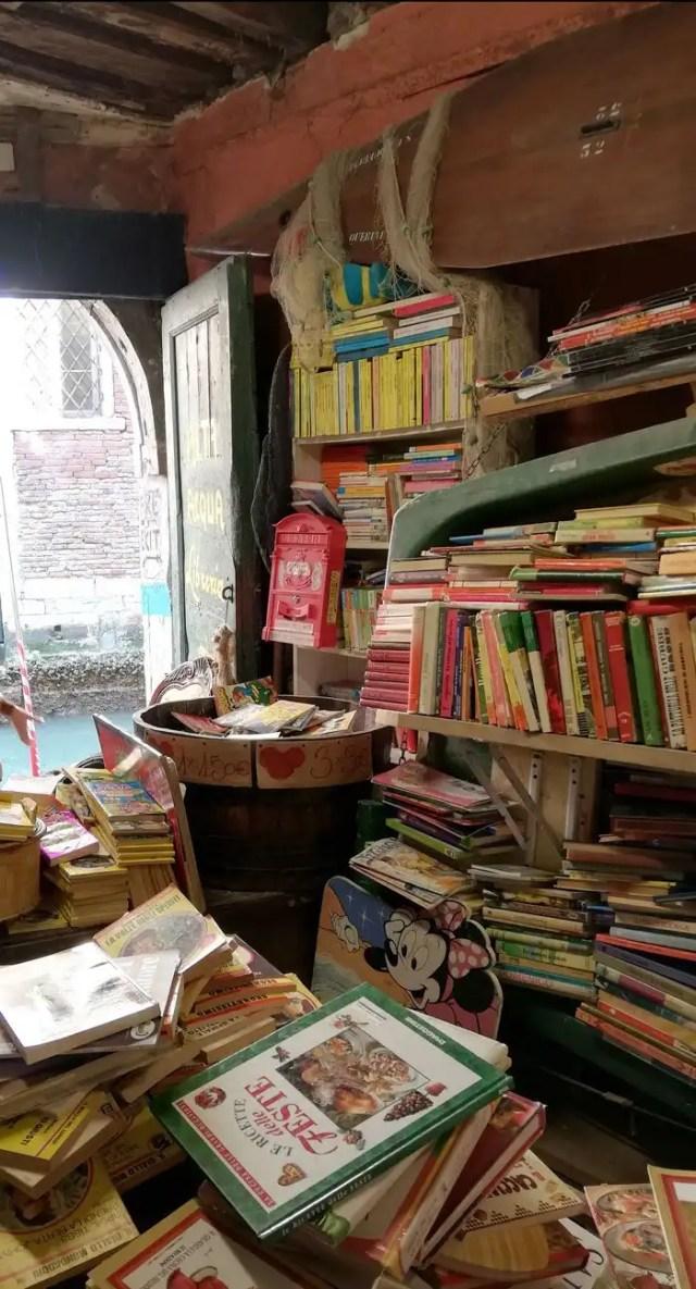 Acqua Alta Libreria Venezia