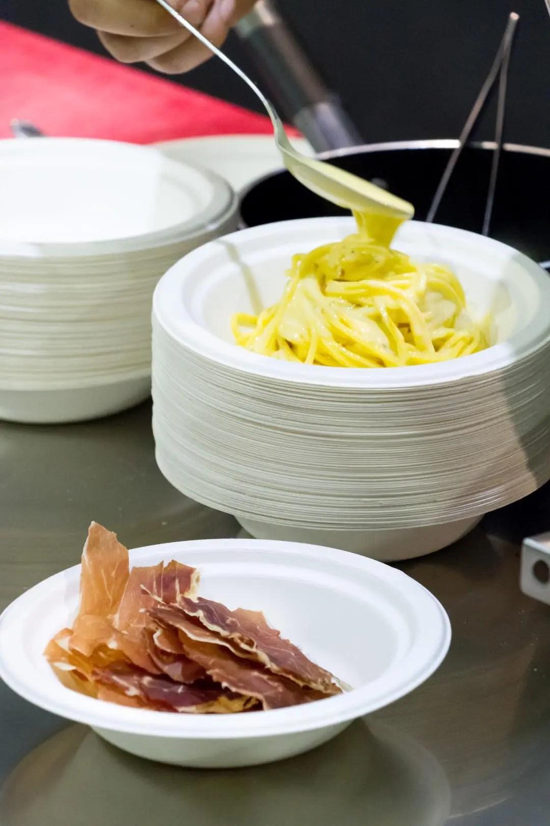 Pasta alla carbonara con panna