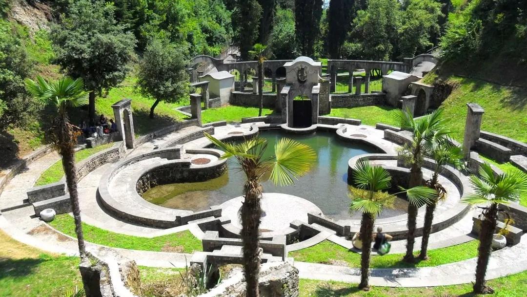 Vittoriale degli Italiani di d'Annunzio a Gardone Riviera, Lago di Garda: visita al Laghetto delle Danze