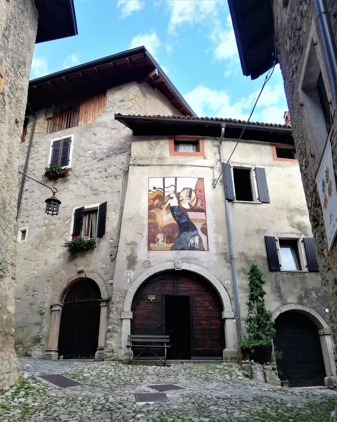 Gli affreschi di Canale di Tenno in Trentino