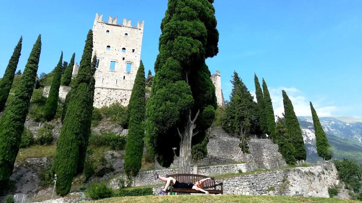 You are currently viewing Castello di Arco: visita al fiabesco castello dell'anno 1000 del Lago di Garda Trentino