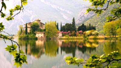 Read more about the article Toblino: visita al Lago di Toblino, al Castello di Toblino del 1500 e trekking a Calavino e la sua Roggia