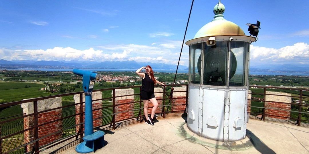 Torre di San Martino della Battaglia: terrazza panoramica con faro