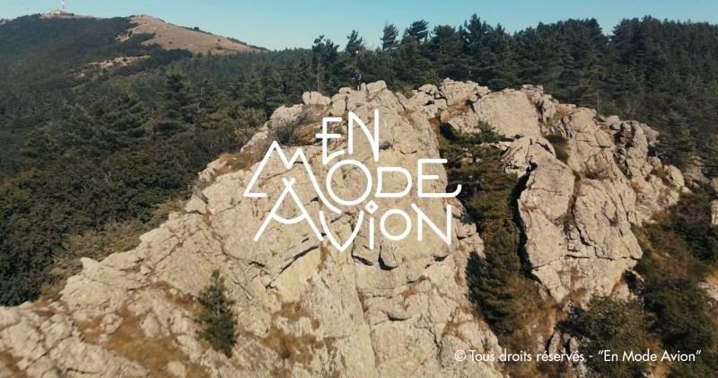 Pour permettre au film En Mode Avion d'exister : contribuer sur ModeAvionFilm.com avant le 19 décembre 2020.