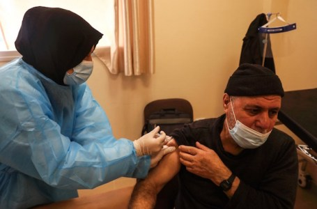 Les Palestiniens refusent les vaccins Pfizer israéliens périmés