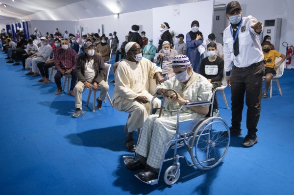 Maroc. Ruée vers les vaccinodromes après l'instauration du pass vaccinal obligatoire