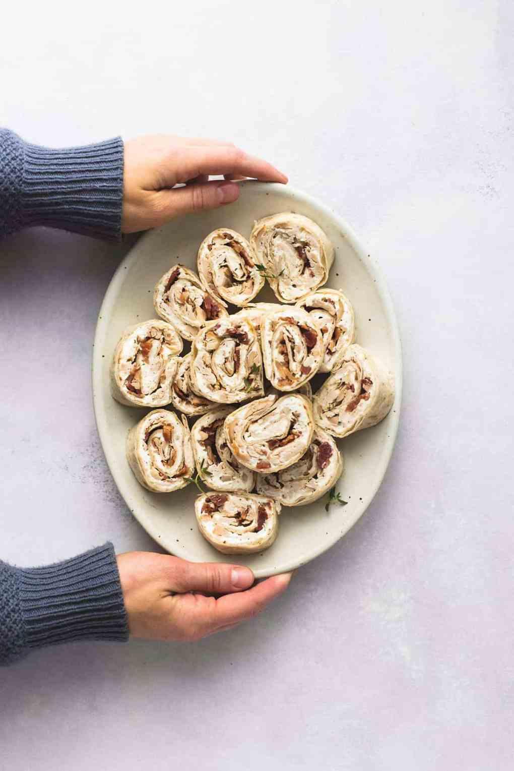 Chicken Bacon Ranch Pinwheels | lecremedelacrumb.com