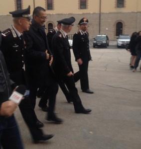 pittella-e-carabinieri-interno-al-pezzo
