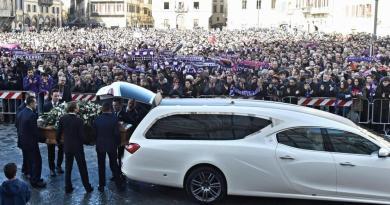 La Città di Firenze dà l'ultimo saluto a DAVIDE ASTORI – SAN PELLEGRINO TERME (BG) RIABBRACCIA IL SUO CAMPIONE