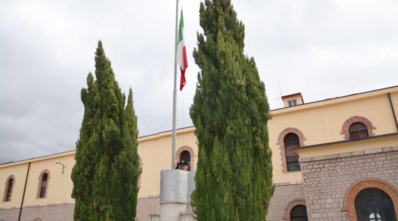 Alzabandiera Caserma Lucania