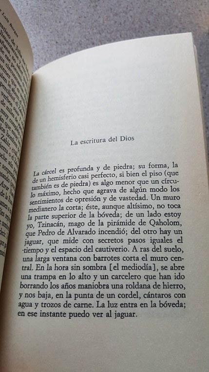 Página de La escritura de Dios de Jorge Luis Borges