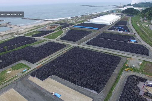 Fukushima 5 ans après - Les sacs de terre contaminée s'empilent