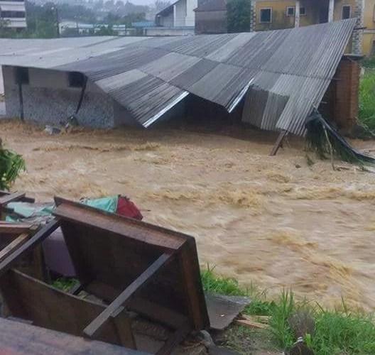 Abidjan sous les eaux avec des morts ledebativoirien.net