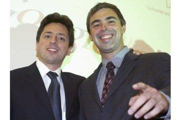 Sergey Brin et Larry Page rient