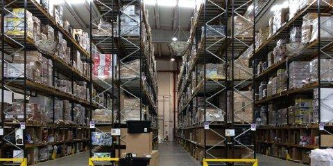 Un entrepôt d'Amazon