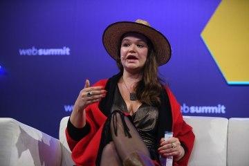 Brittany Kaiser photographiée par Sam Barns au Web Summit 2019 à Lisbon