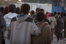 """""""Piccoli schiavi invisibili 2017"""" il dossier di Save the Children. 1"""