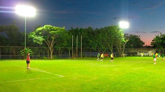 Campo de Futebol com Refletor de LED 200W