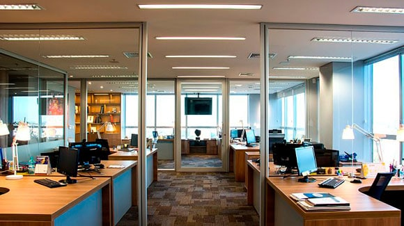 Lâmpada LED Tubular em Escritórios