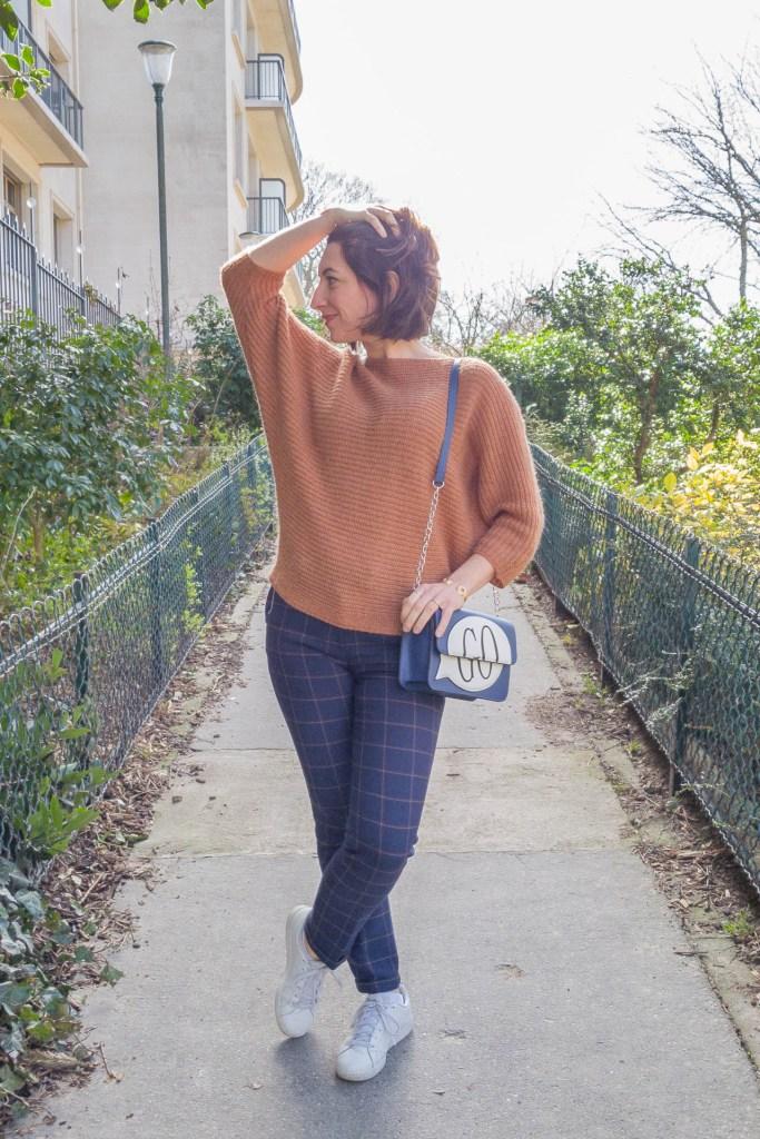 noisette, écureuil, pantalon à carreaux, look, mode, fashion, blog, blogueuse, paris, sneakers, monoprix, pantalon raccourci, sac orginal, GO, sac bleu,manches chauve souris
