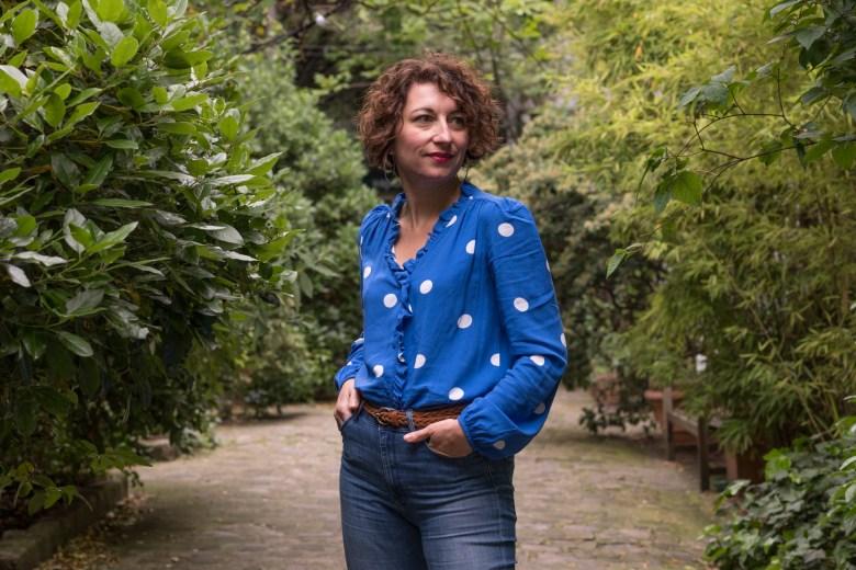 poids mango bleu blouse chemisier chemise volants blog mode blogueuse fashion paris parisienne