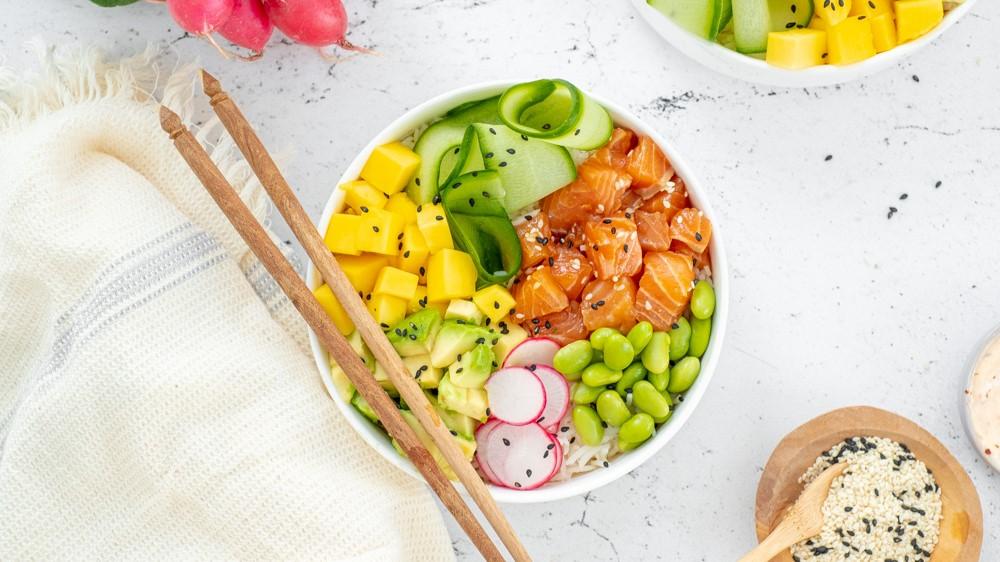 Een gezonde poké bowl