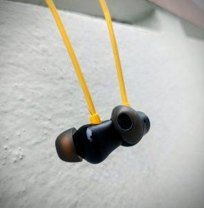 Realme Buds Wireless 2 in-ear Bud design