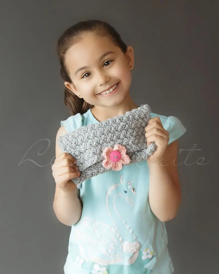 Free Girl's Cross Body Crochet Purse Pattern
