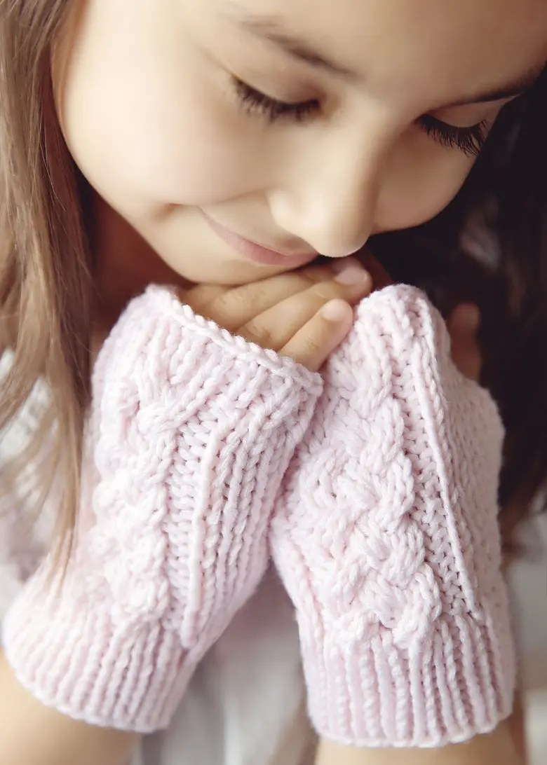 Cable Knit Fingerless Gloves Pattern Pattern