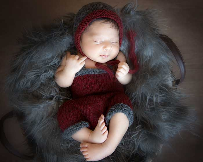 Newborn Bonnet and Overalls Knitting Pattern