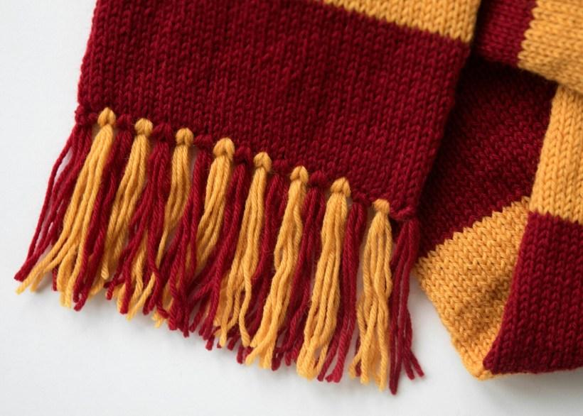 Harry Potter Hogwarts Gryffindor Scarf Pattern - Leelee Knits