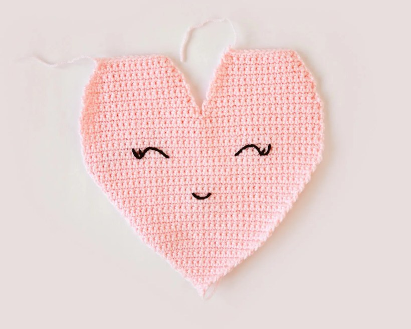 Heart Shaped Pillow Crochet Pattern Leelee Knits