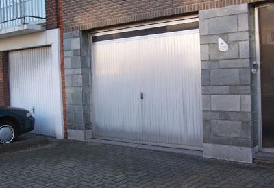 Oude garagepoort