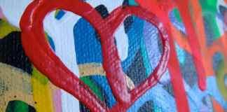 Corazón pintado en lienzo