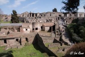 Italy-2015_Pompeii-00_1280px