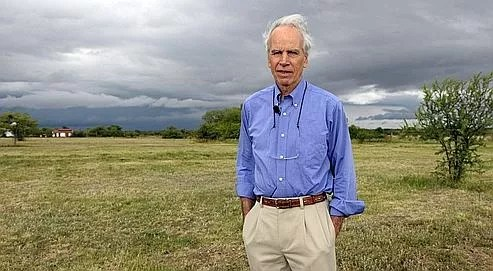 Douglas Tompkins pose sur sa propri�t� d'Ibera, en novembre 2009. Le fondateur des marques de v�tements Esprit et The North Face est un pionnier de l'�cologie radicale : les parcs qu'il a cr��s en Am�rique du Sud repr�sentent un territoire grand comme la Corse.