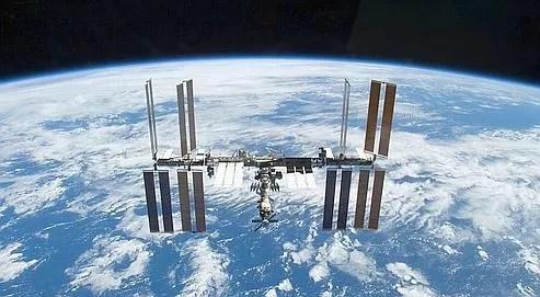 La station spatial internationale vue depuis la navette Atlantis, en novembre 2009.