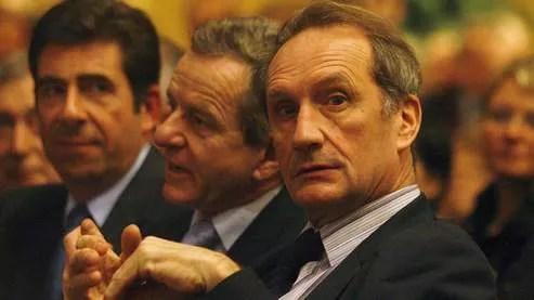Pour le président des sénateurs de l'UMP, Malek Boutih «n'est pas le bon personnage» pour prendre la tête de la Halde.
