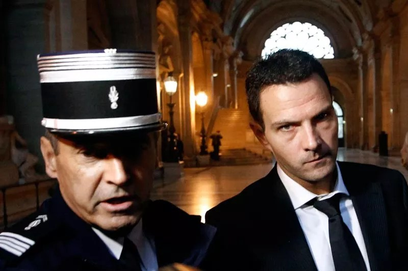 Mardi 5 octobre, Jérôme Kerviel à son arrivée au Palais de justice de Paris. L'ancien trader de la Société Générale a été lourdement condamné par le tribunal correctionnel qui lui a infligé cinq ans de prison, dont trois ferme, et l'a contraint à payer à la banque des dommages et intérêts de 4,9 milliards d'euros.